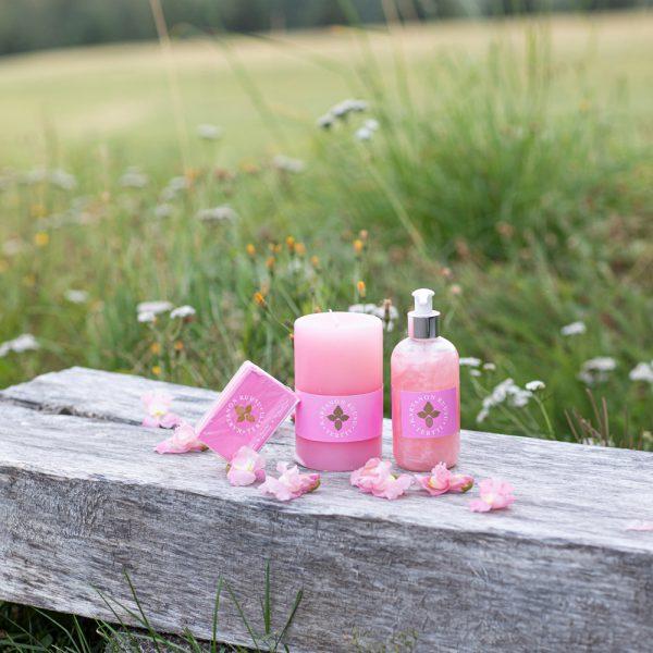 ruusukynttilä ruususaippua rose candle rose soap